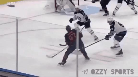 Если бы Халк играл в хоккей Спорт, Хоккей, НХЛ, Клюшка, Fail, Юмор, Гифка