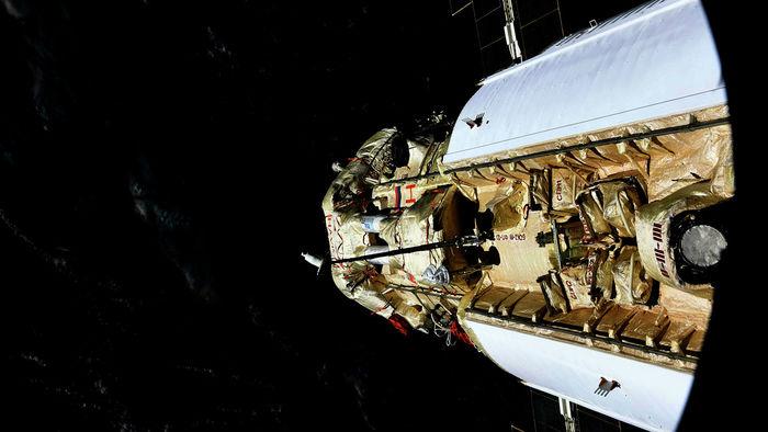 Что происходит с МЛМ-У quotНаукаquot 14 - Открытие люков на МКС