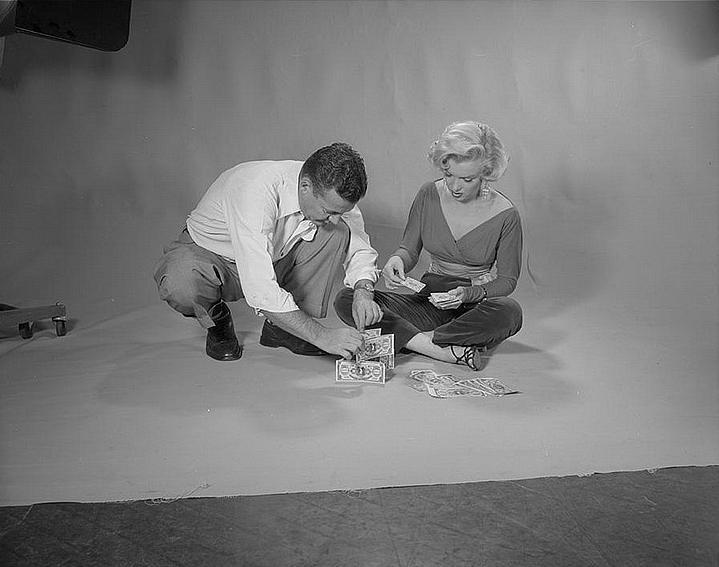 """Мэрилин Монро на фотографиях Джона Флореа (XIV) Цикл """"Великолепная Мэрилин"""" 576 выпуск"""